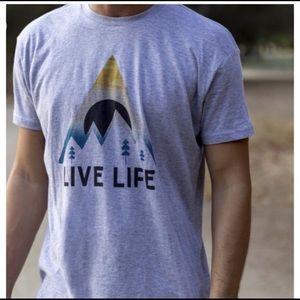 NWT Clearance Men's Gray Sunrise Live Life Tee